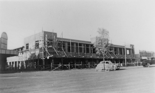 Construction of the 4th North Gregory Hotel Winton ca. 1950