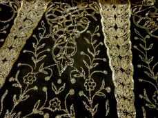 Fabric detail black evening dress