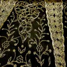 Fabric detail black evening dress